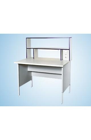Стол пристенный физический 1500 СПФw (Wilsonart, с надстольем)